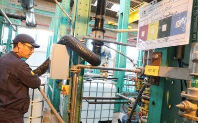 À Salin-de-Giraud, M2i participe à la production bénévole de solution hydroalcoolique !